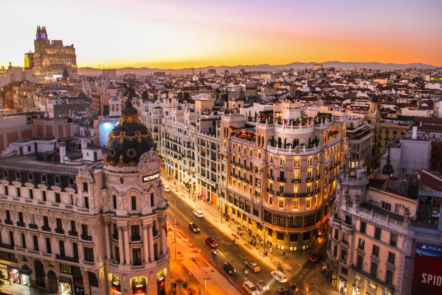 Astonishing Canon prints in the centre of Madrid